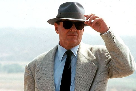 character analysis of j j gittes in the movie chinatown He starts the movie reluctant to take on a job he feels won't satisfy a client  the  element that brings depth to jake's character is his odd inability to comprehend.